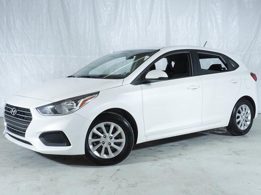 White Hyundai Accent Preferred