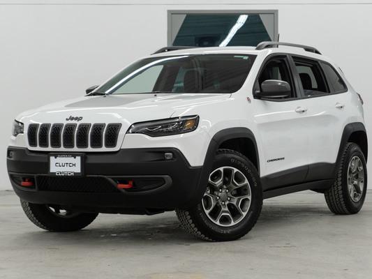 White Jeep Cherokee Trailhawk AWD
