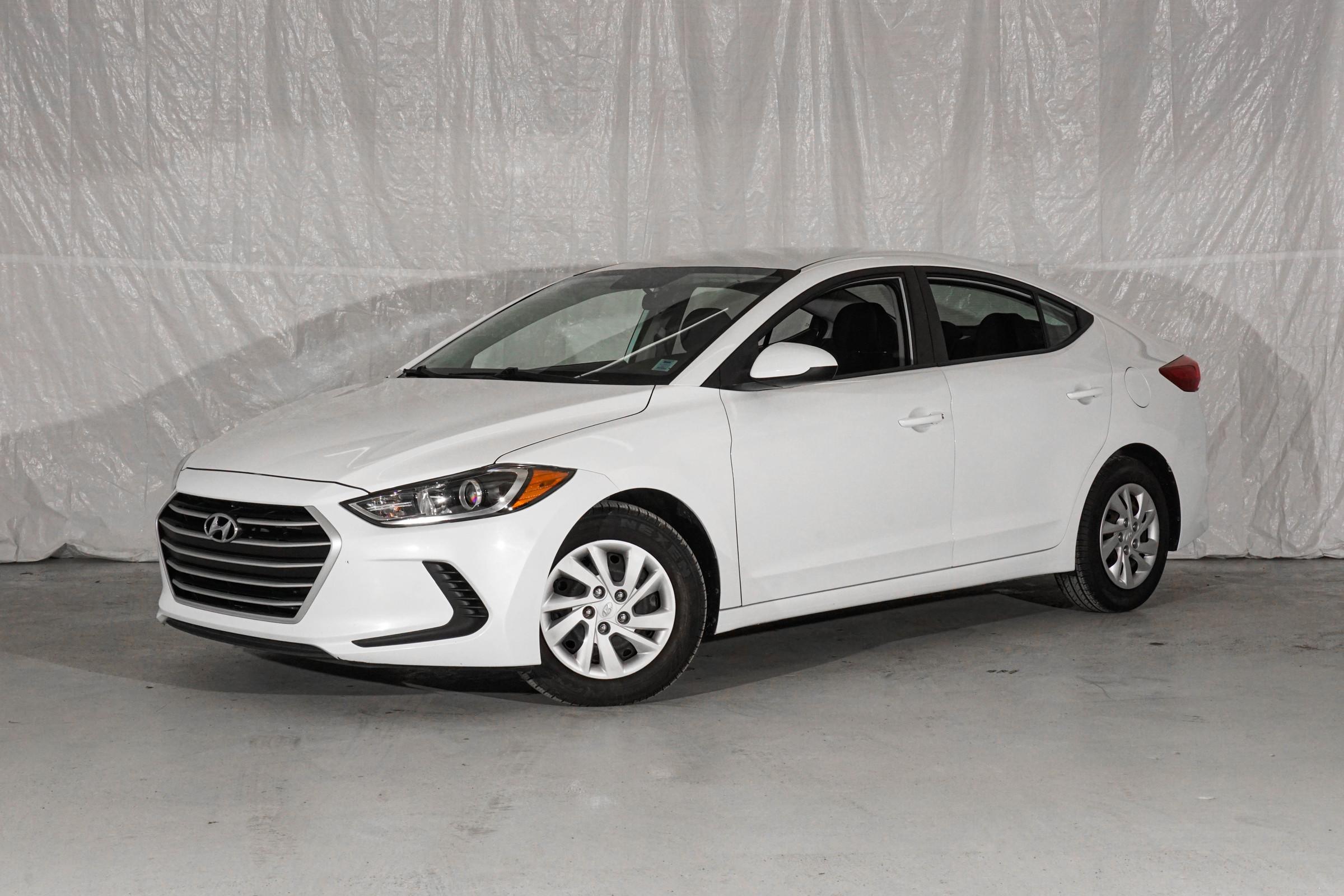 White Hyundai Elantra LE