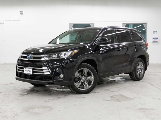 Black Toyota Highlander Hybrid Limited AWD