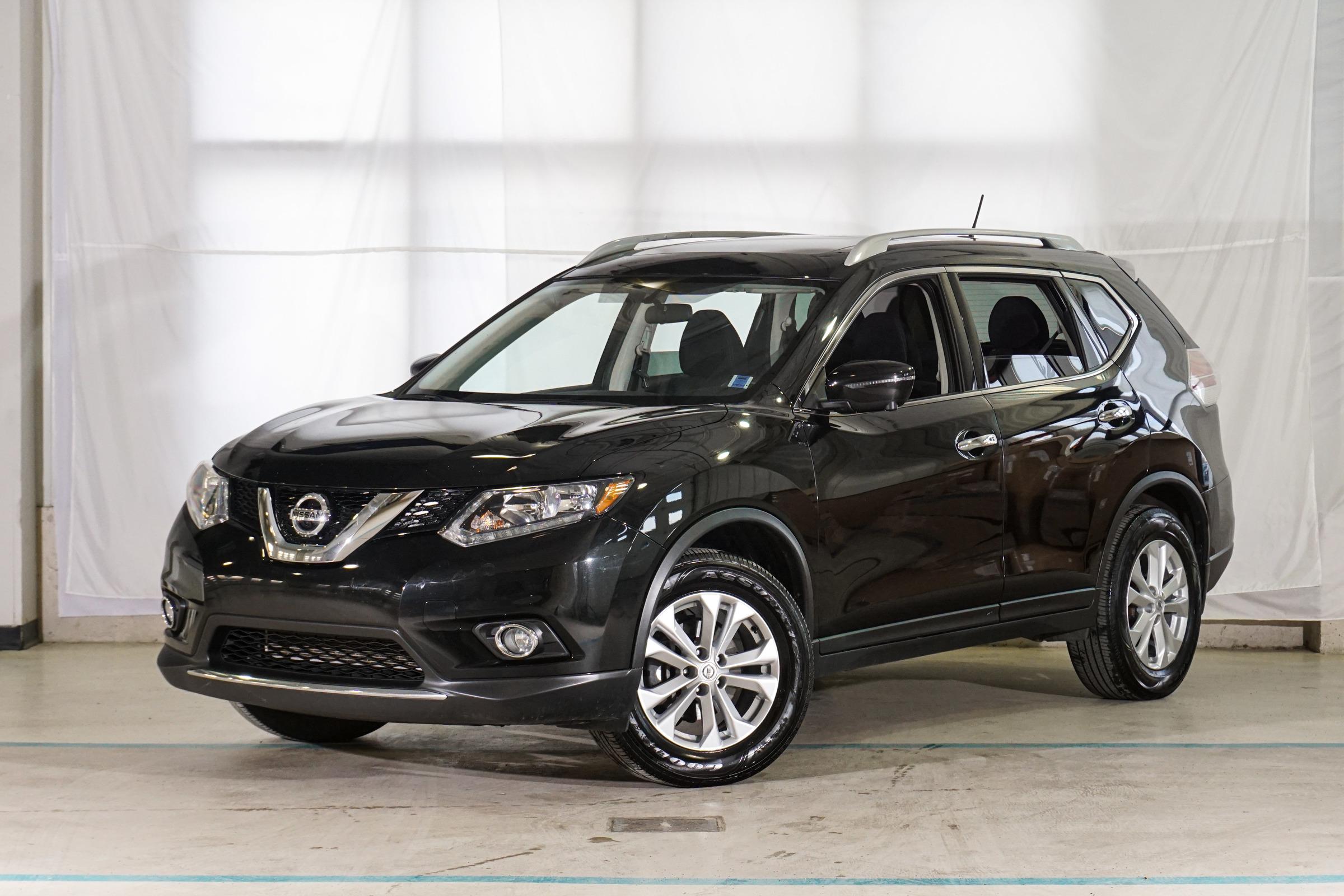 Black Nissan Rogue SV