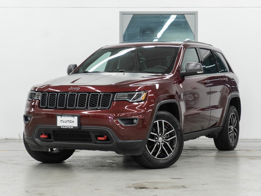 Red Jeep Grand Cherokee Trailhawk 4WD