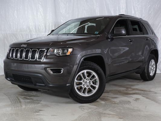 Grey Jeep Grand Cherokee Laredo