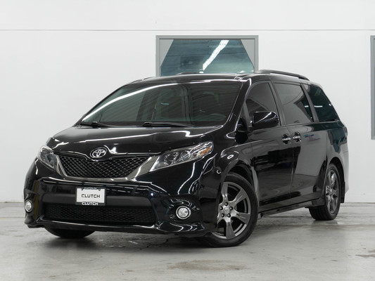 Black Toyota Sienna SE