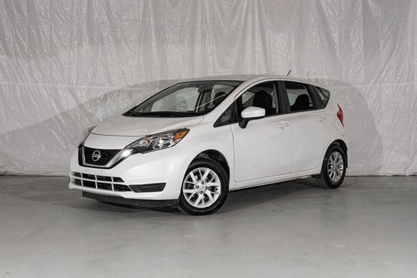 White Nissan Versa Note SV
