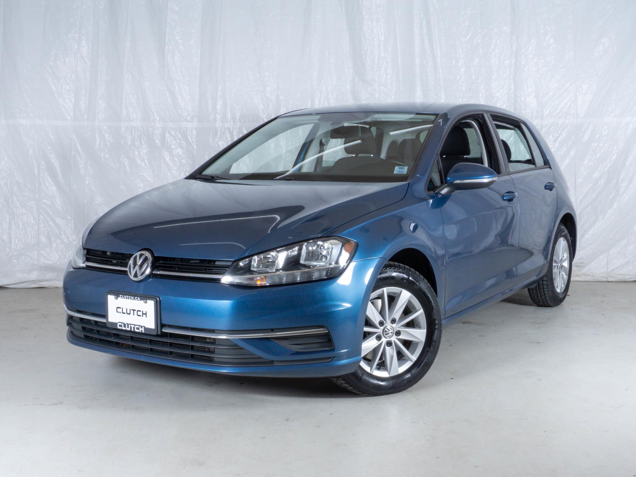 Blue Volkswagen Golf Comfortline