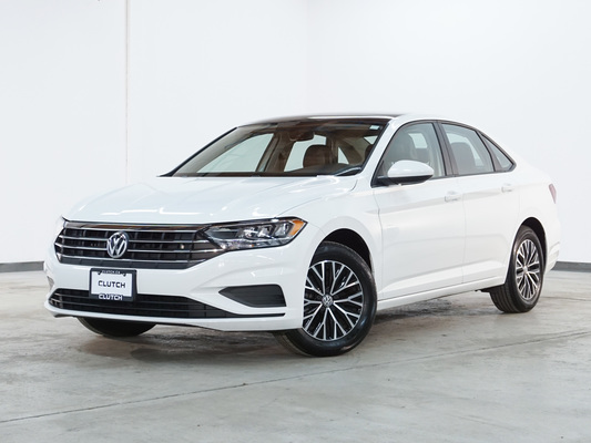 White Volkswagen Jetta Highline