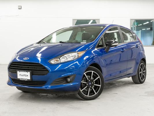 Blue Ford Fiesta SE