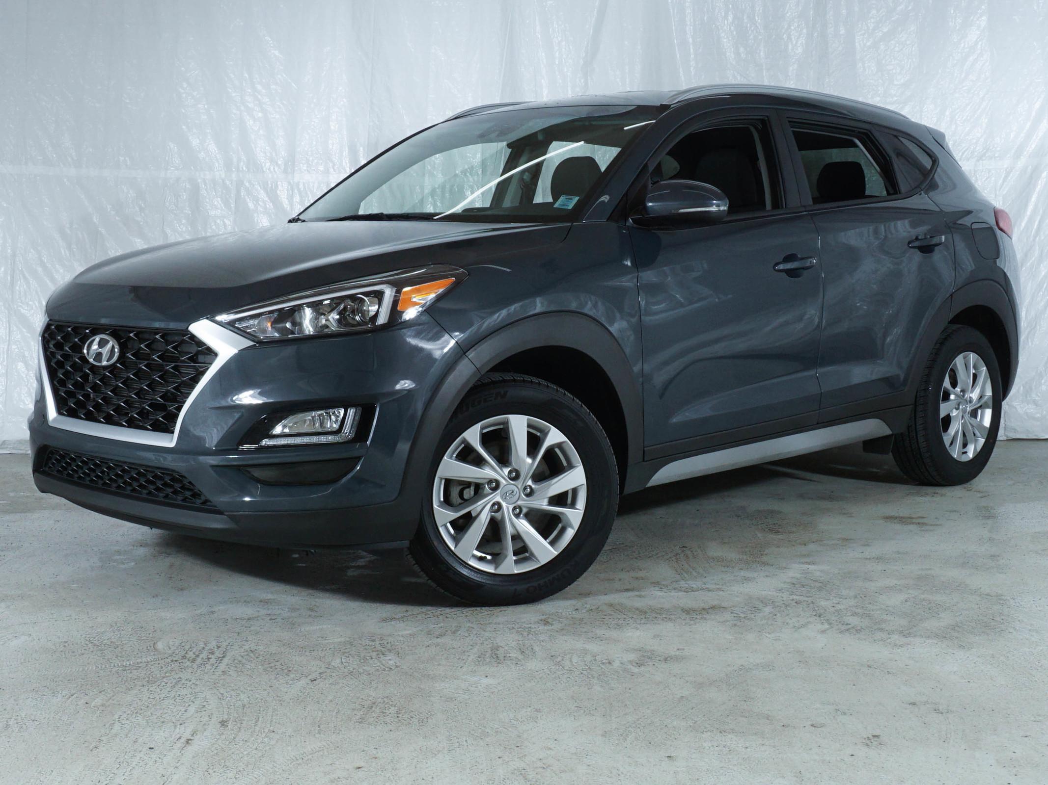 Blue Hyundai Tucson Preferred