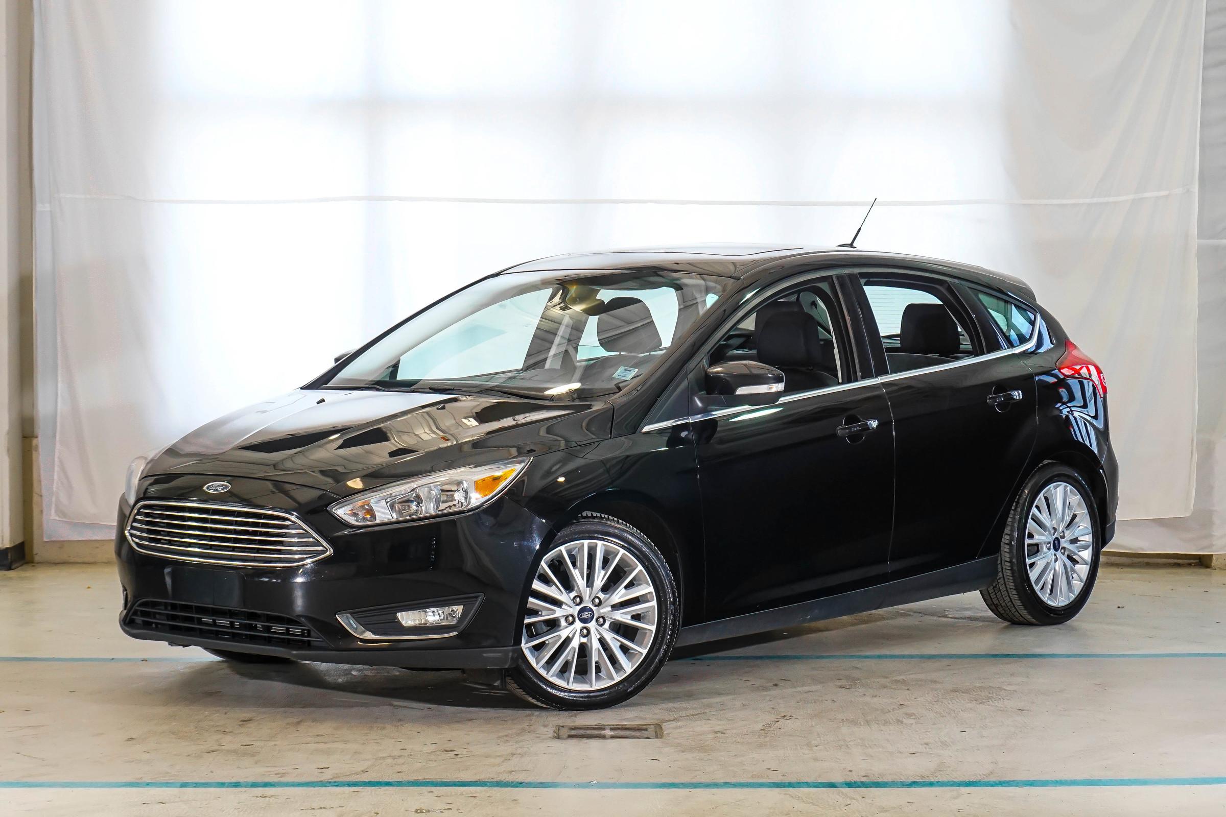 Black Ford Focus Titanium