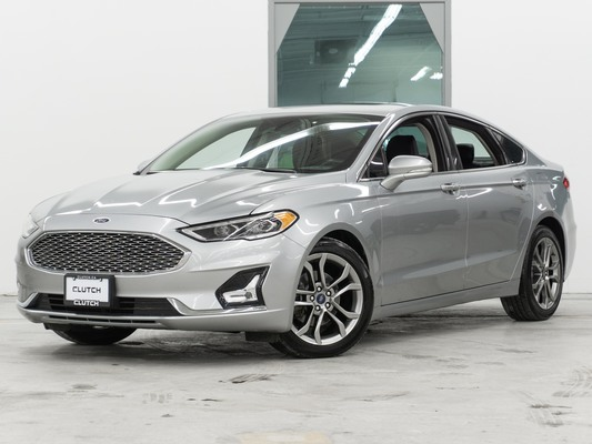 Silver Ford Fusion Hybrid Titanium