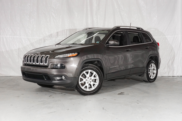 Grey Jeep Cherokee North