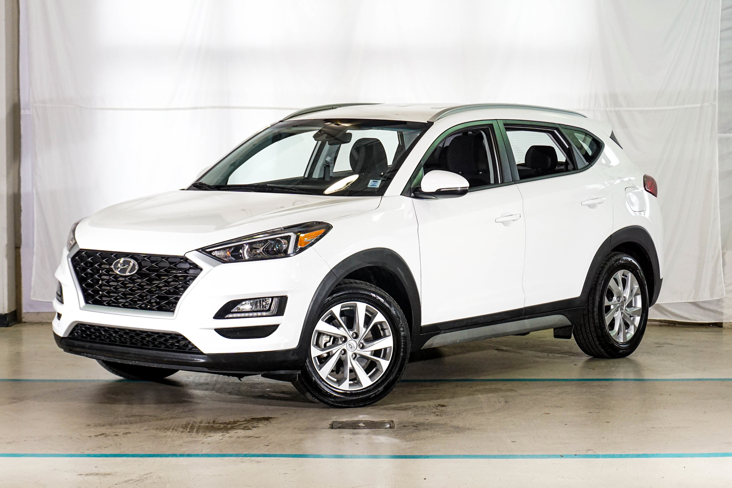 White Hyundai Tucson Preferred