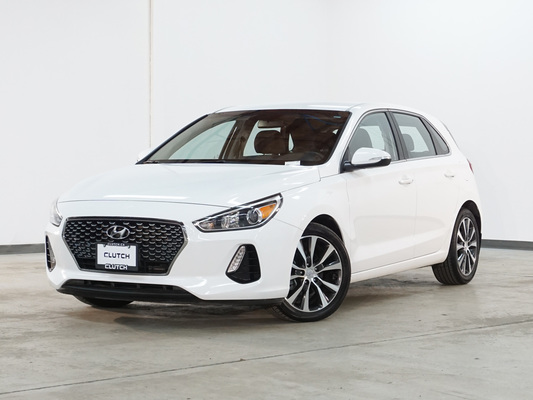 White Hyundai Elantra GT SE