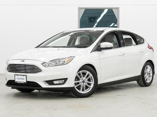 White Ford Focus Titanium
