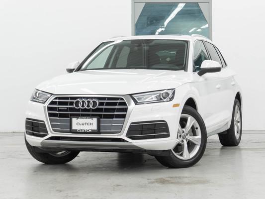 White Audi Q5 Progressiv AWD