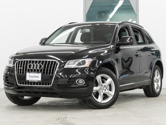 Black Audi Q5 Komfort AWD