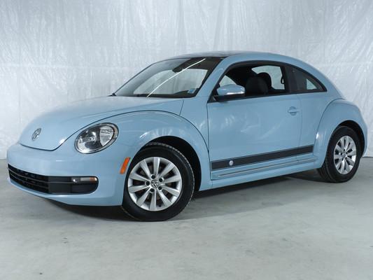 Blue Volkswagen Beetle 1.8T