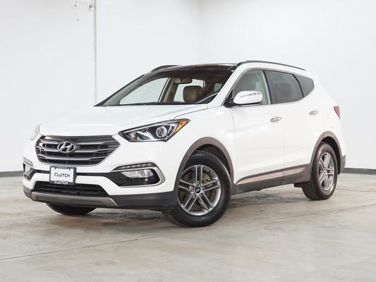 White Hyundai Santa Fe Sport Luxury