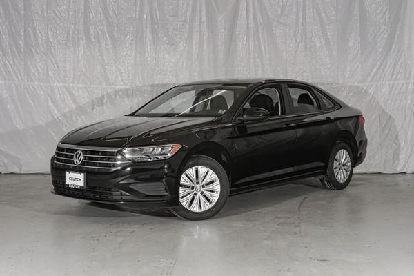 Black Volkswagen Jetta Comfortline